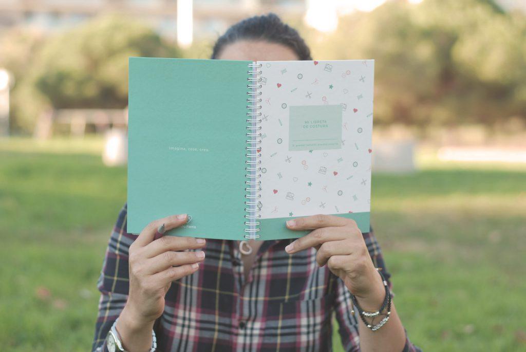 usar una libreta de costura tienda