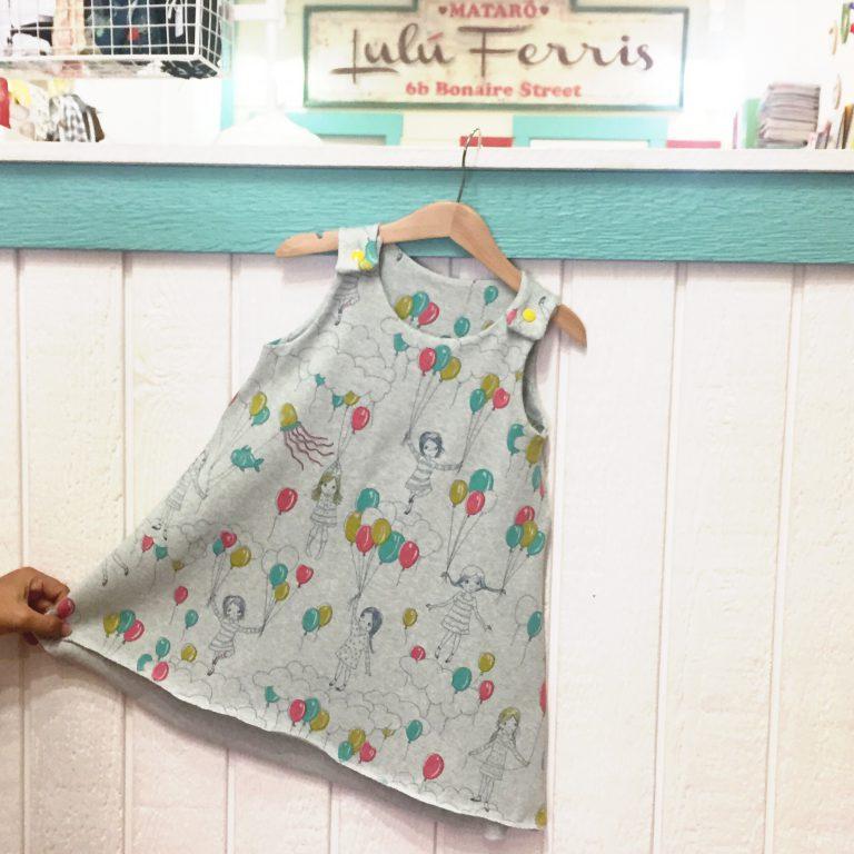 Vestido de tirantes para niña con tela de punto