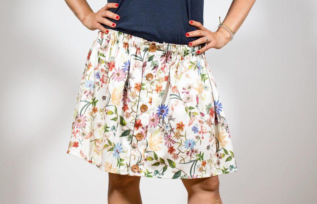 4 formas de hacer una falda con máquina de coser [Tutoriales premium]